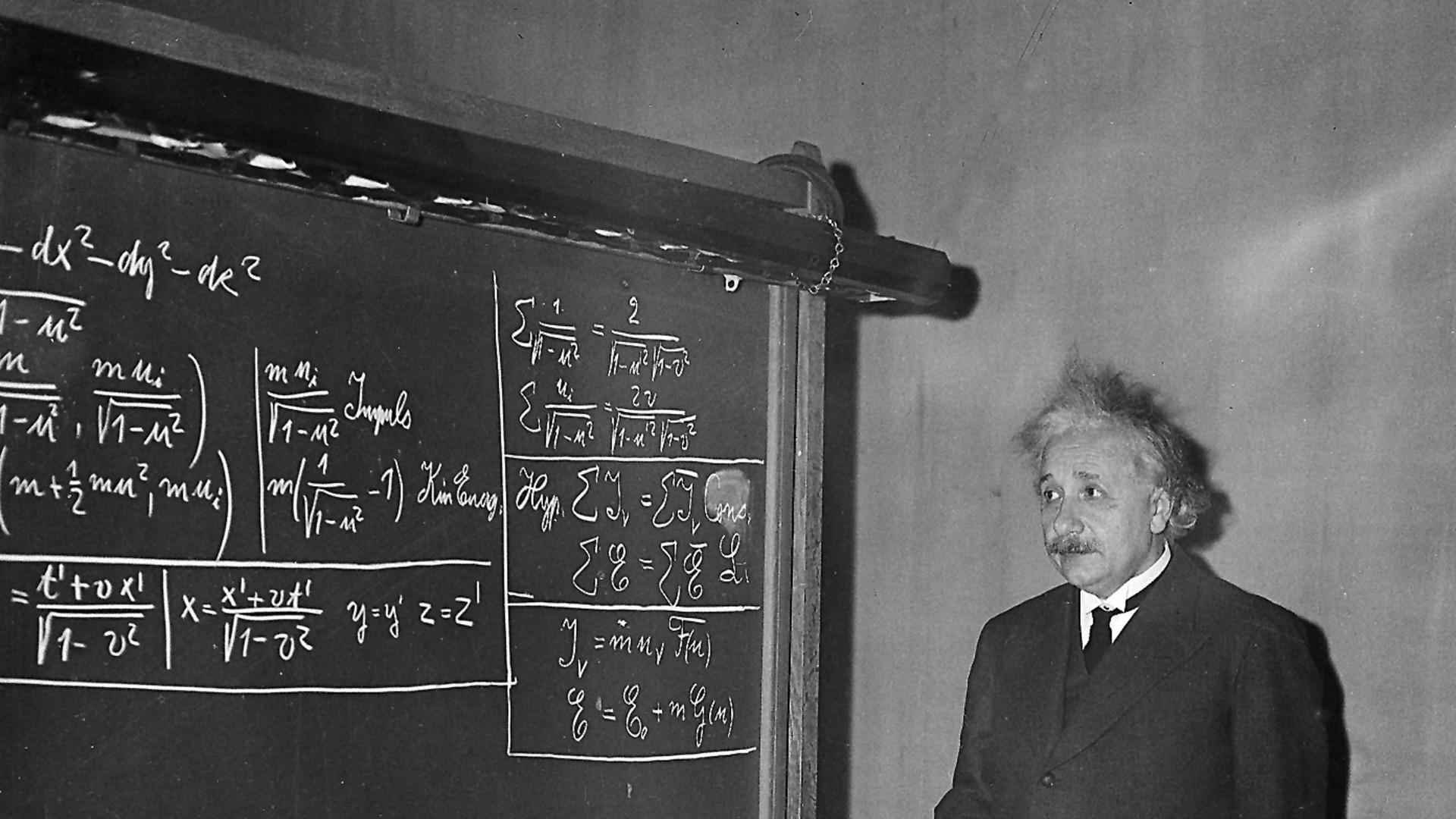 Albert-Einstein-11