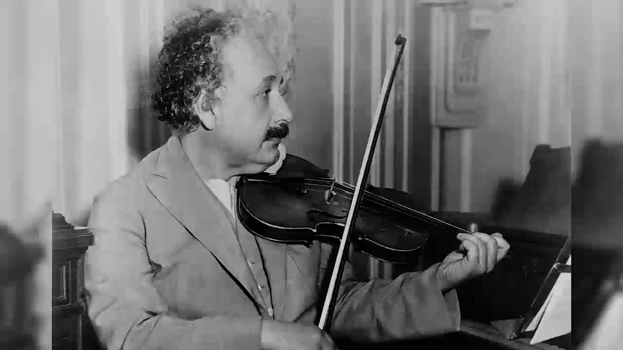 Albert-Einstein-29