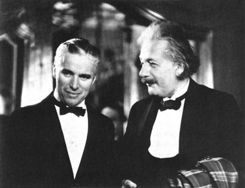 Albert-Einstein-38