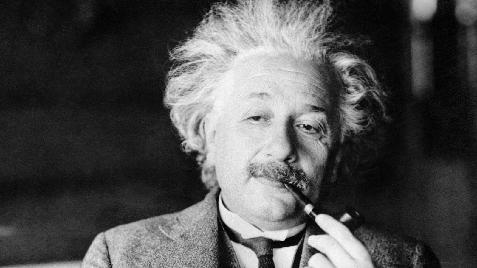 Albert-Einstein-39