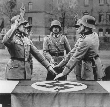 Hitler-11