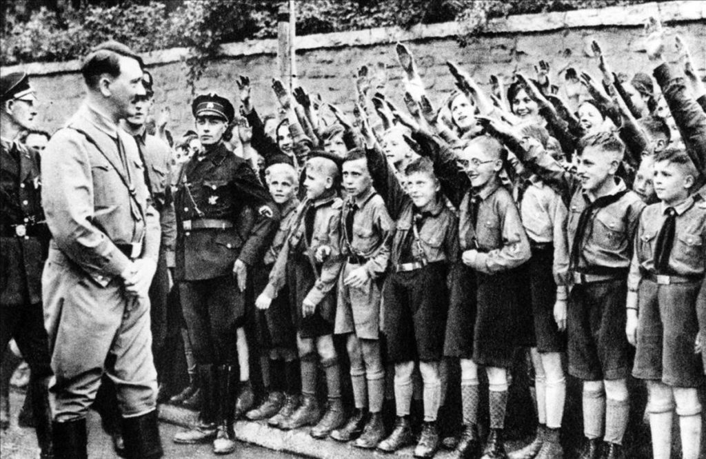 Hitler-16