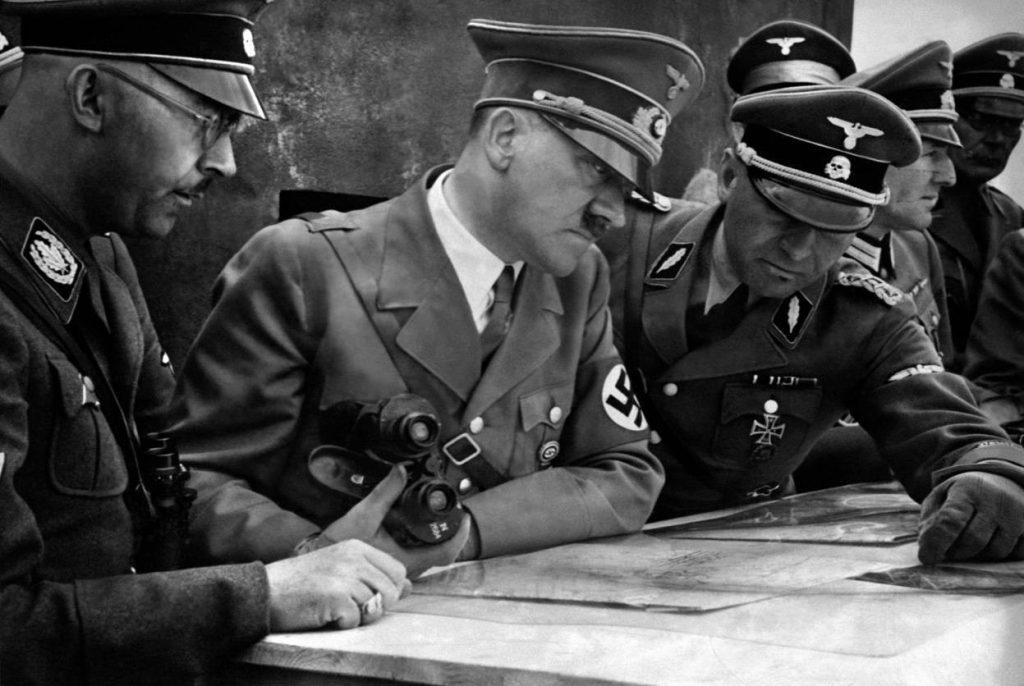 Hitler-18