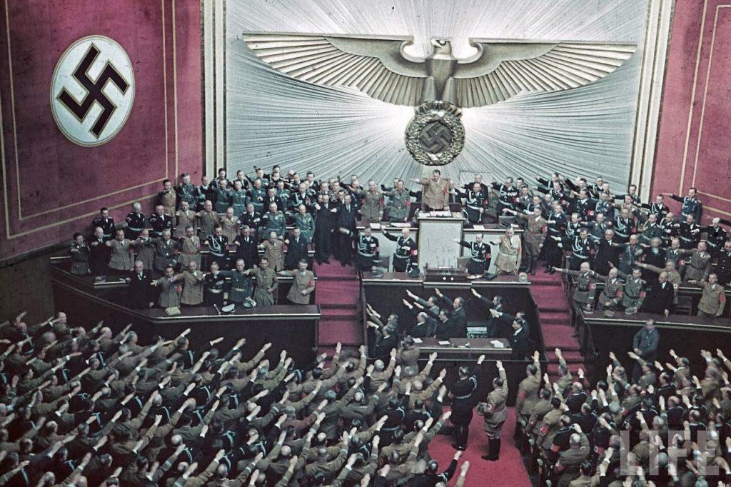 Hitler-21