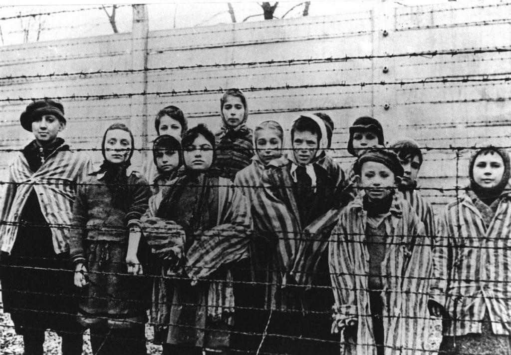 Hitler-32