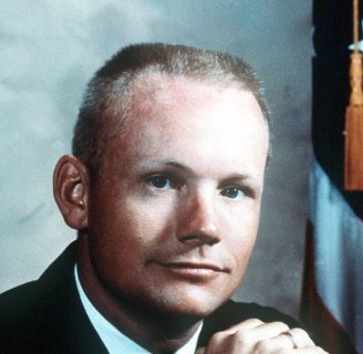 Neil Armstrong: biografía, frases, funeral y mucho más