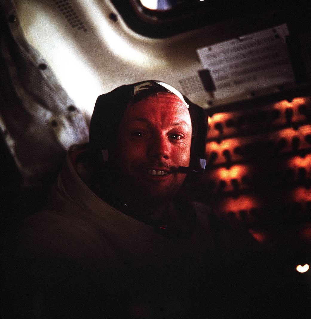 Neil-Armstrong-23
