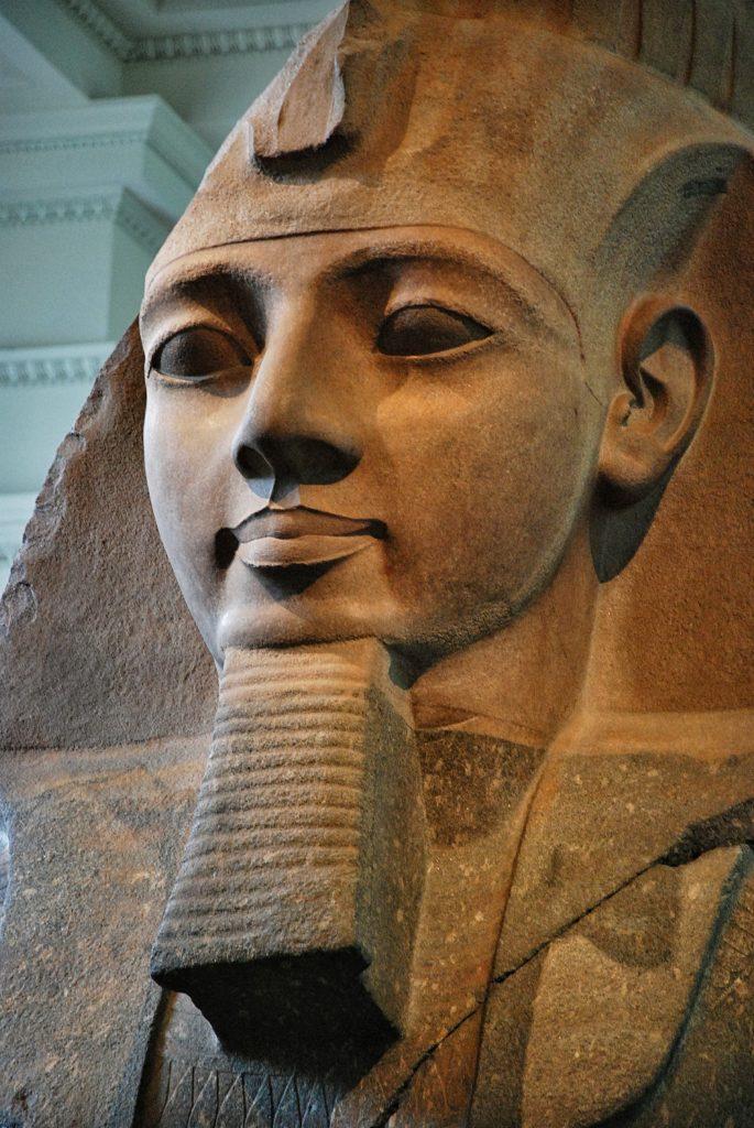 Ramsés-II-14