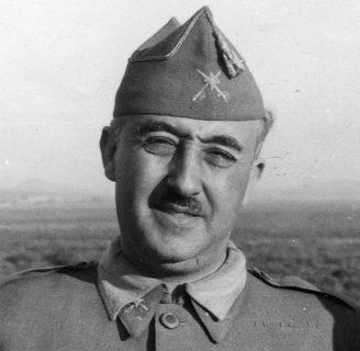 Francisco Franco: biografía, fundación, muerte, y mucho más