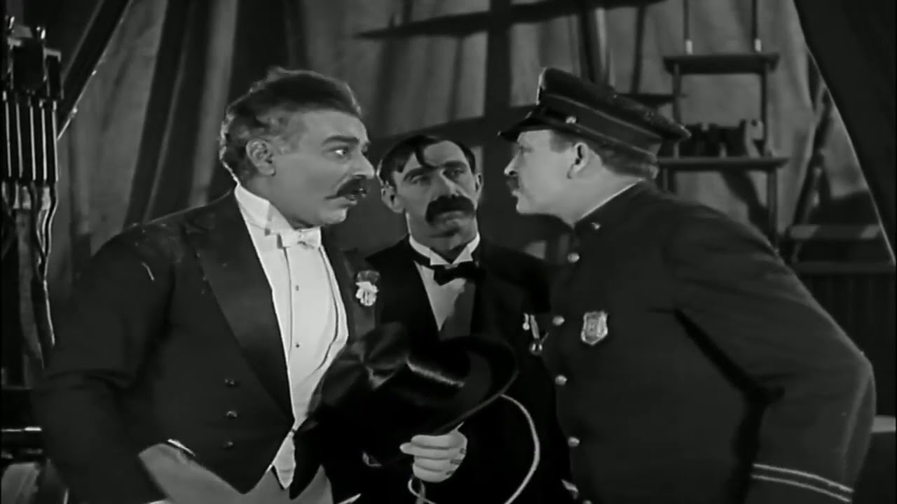 Charles-Chaplin-19