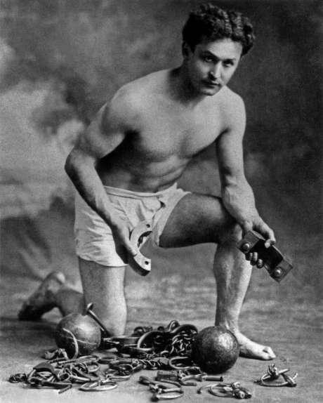 Harry-Houdini-13