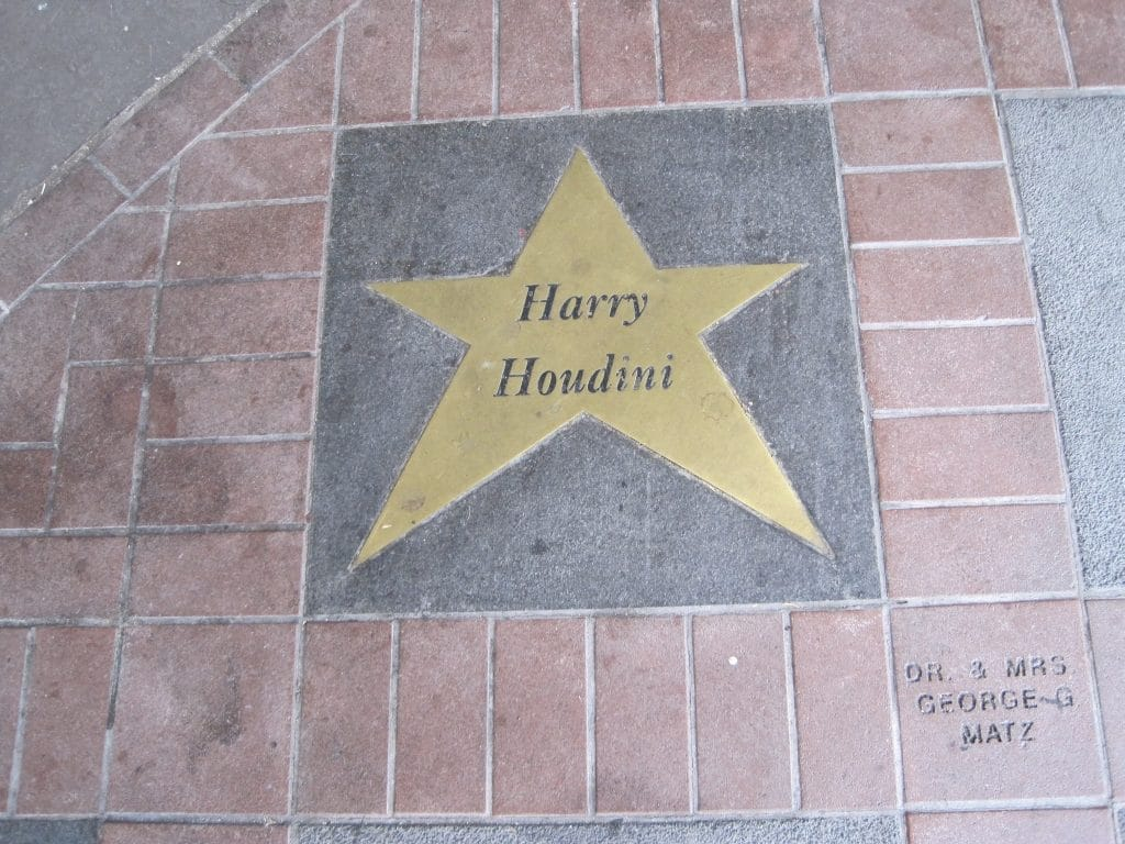 Harry-Houdini-5