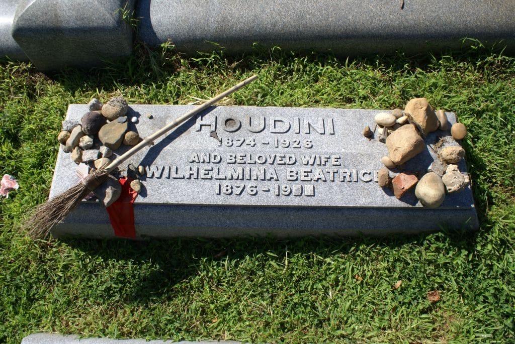 Harry-Houdini-19