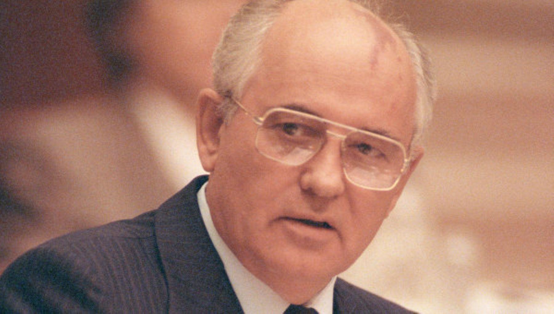 Mijail-Gorbachov-12