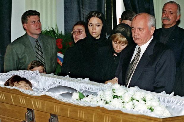 Mijail-Gorbachov-5