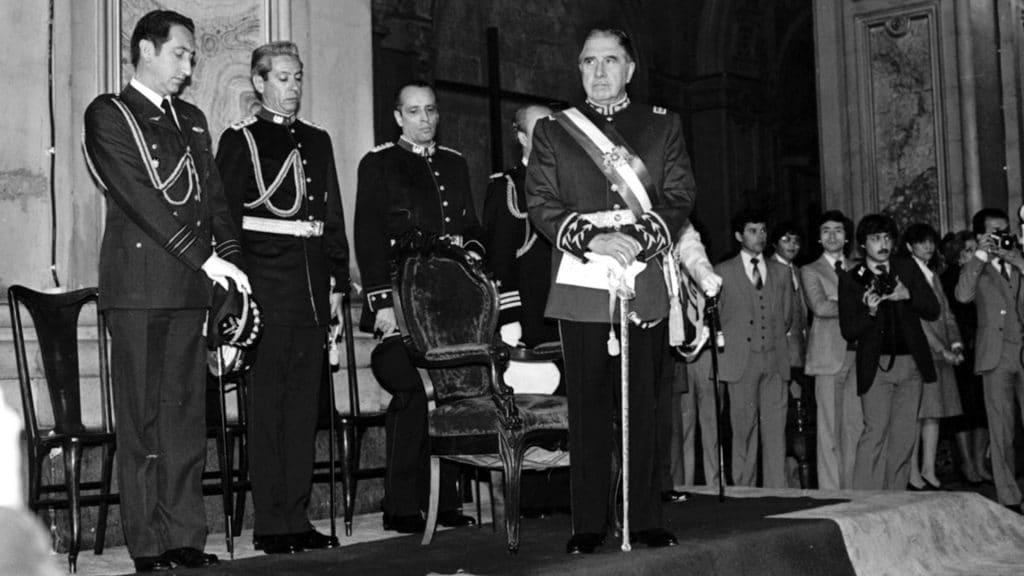 Pinochet-12