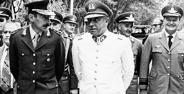 Pinochet-13