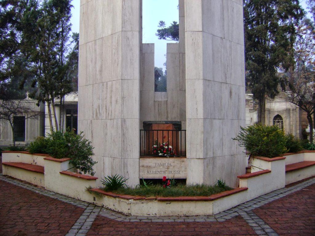 Salvador-Allende-15