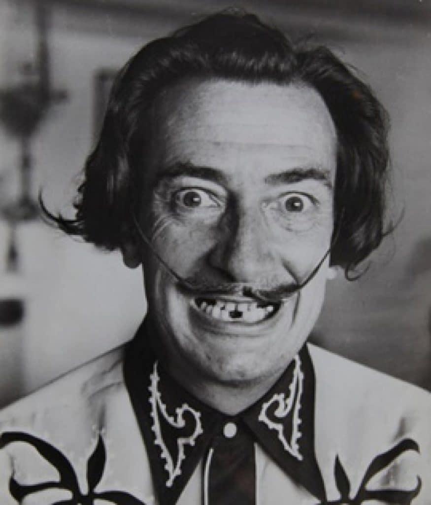 Salvador-Dalí-25