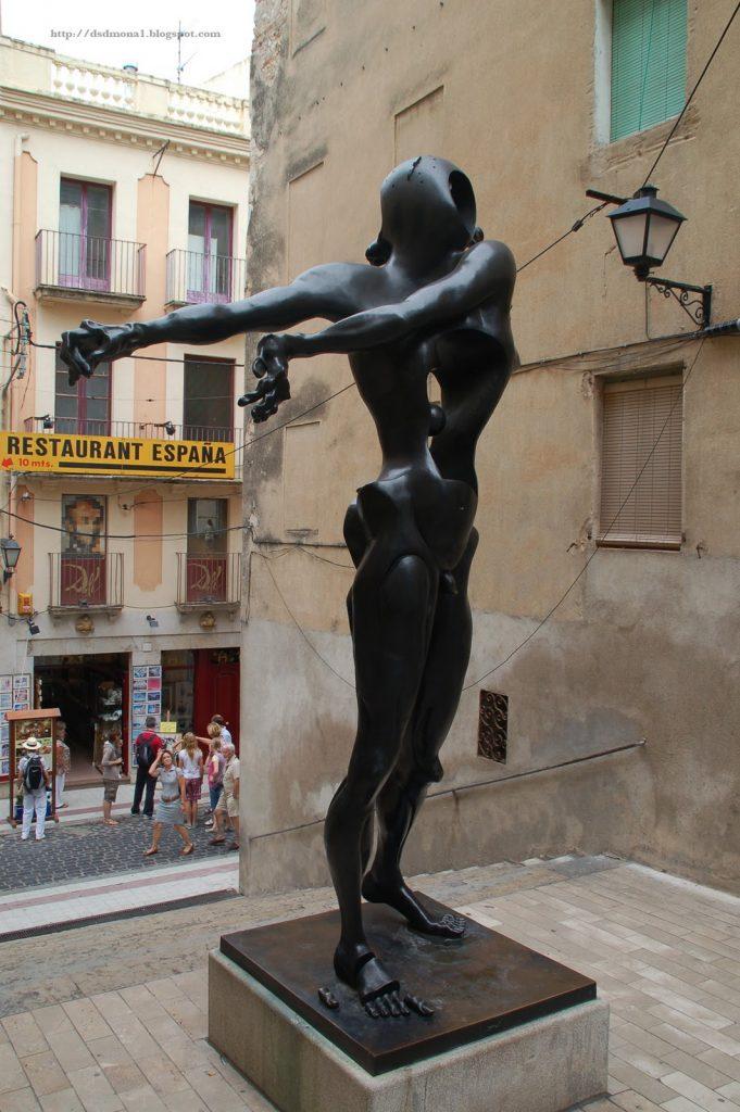 Salvador-Dalí-27