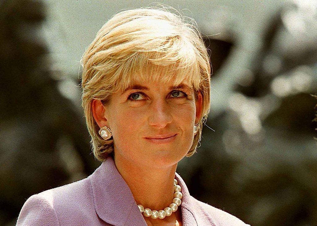 Diana-De-Gales-27
