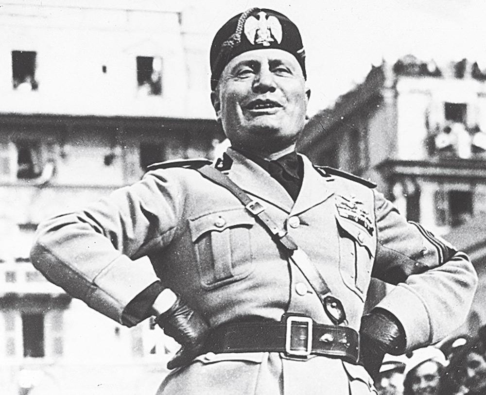 Mussolini-30