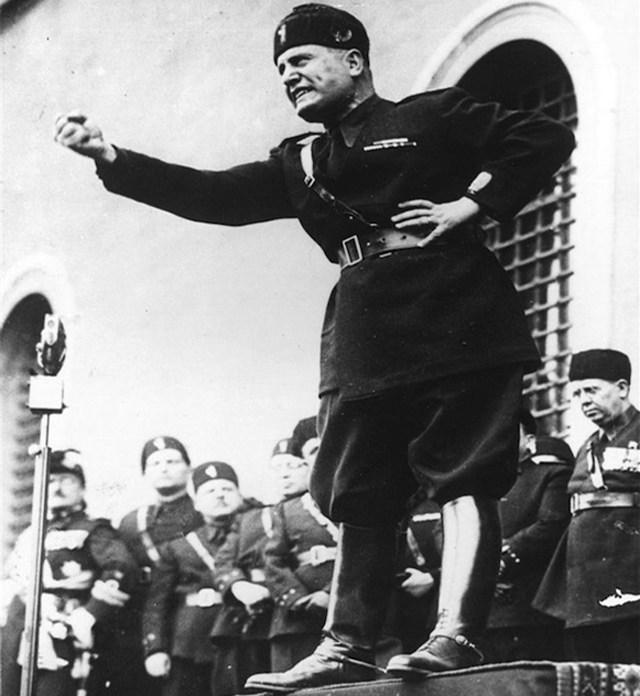 Mussolini-3