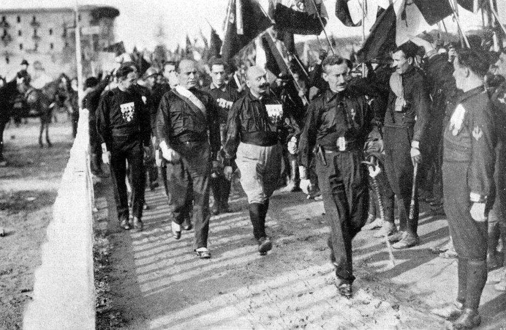 Mussolini-4