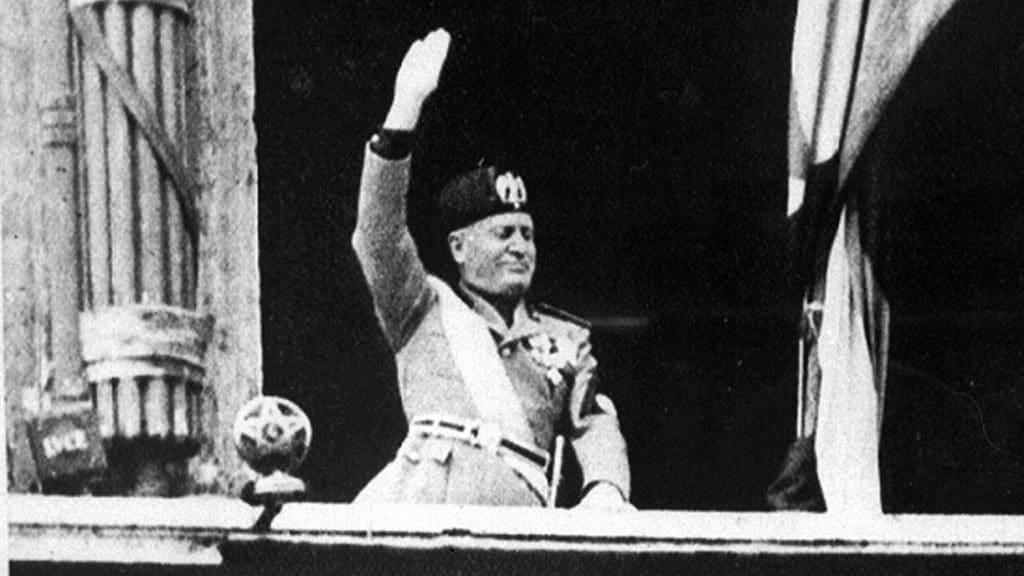 Mussolini-14