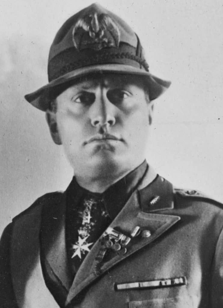 Mussolini-9