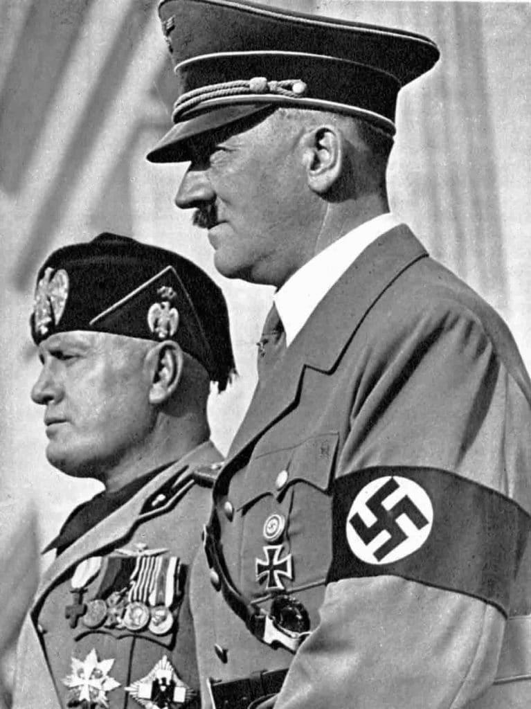 Mussolini-11
