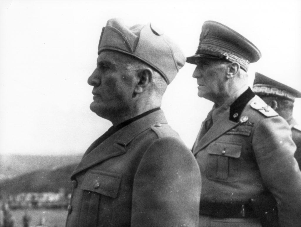 Mussolini-25
