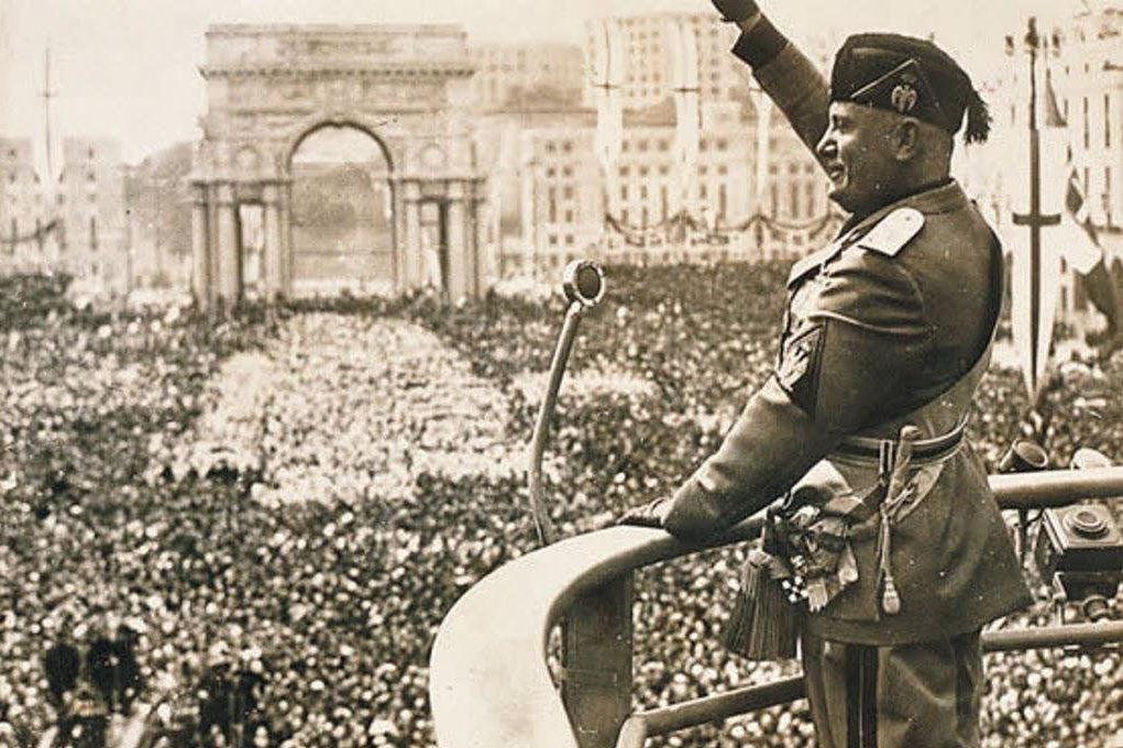 Mussolini-26