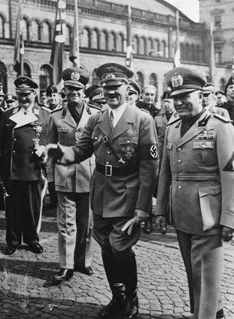 Mussolini-36