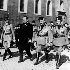 Mussolini-23