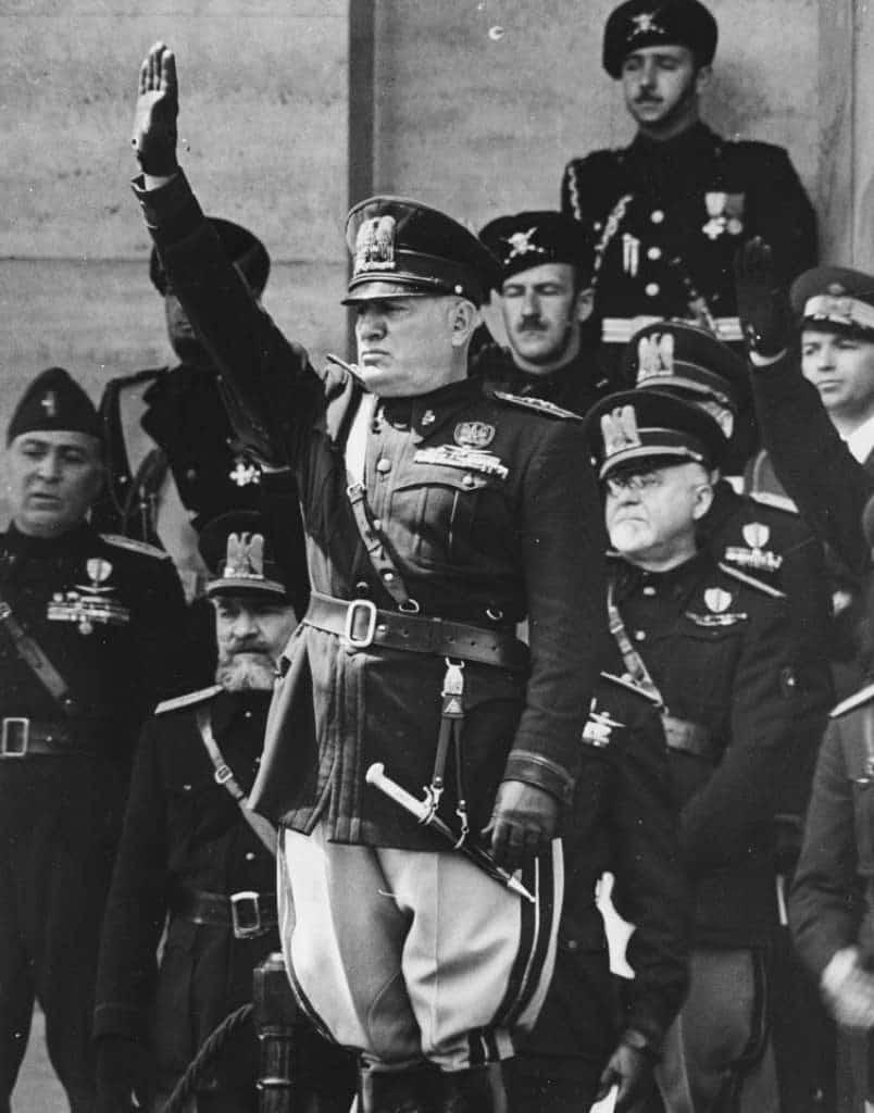 Mussolini-31