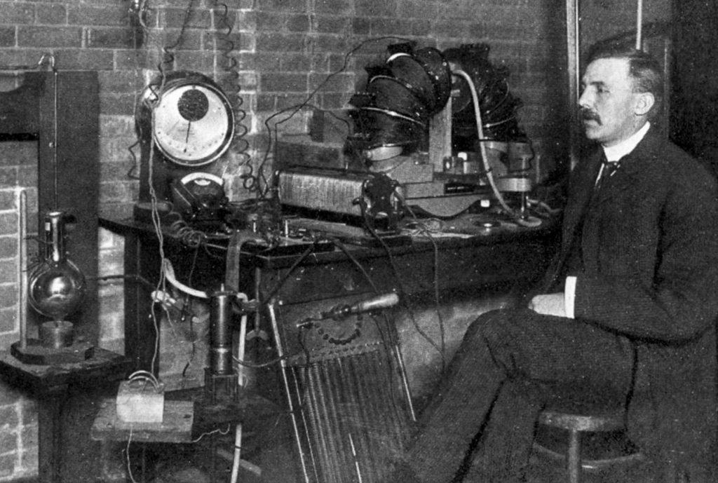 descubrimientos de Ernest Rutherford