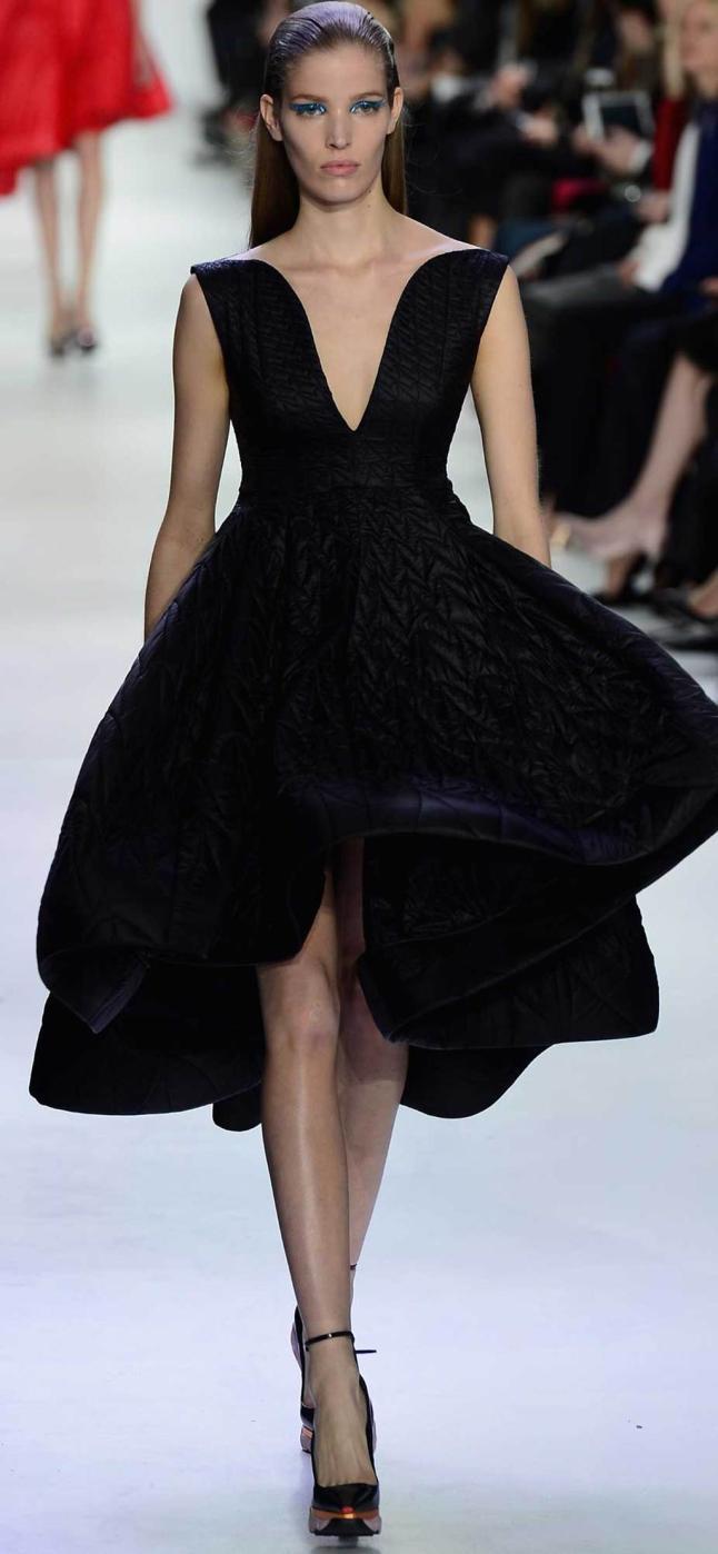 Vestido negro famoso chanel