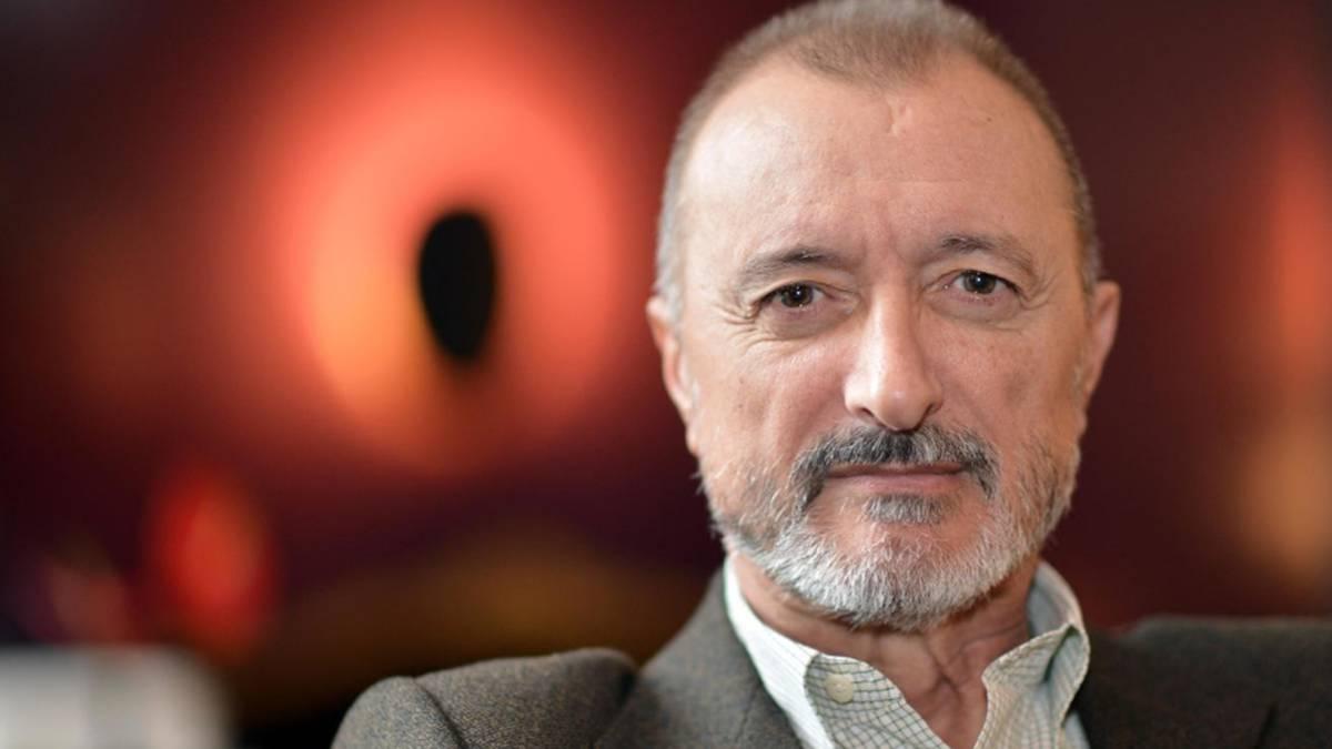 Arturo Pérez Reverte: biografía, libros, esposa, artículos