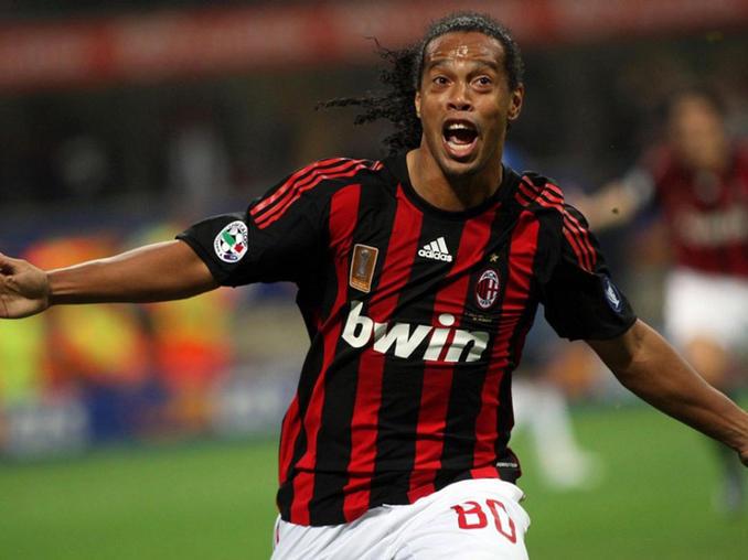 participación de Ronaldinho en el AC Milan