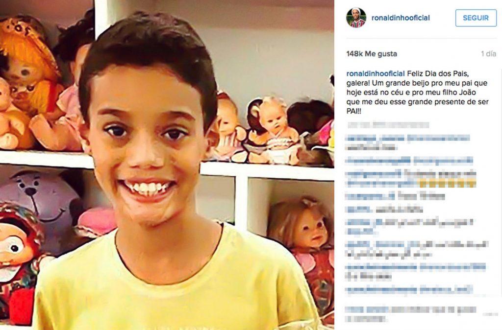 João, el hijo de Ronaldinho