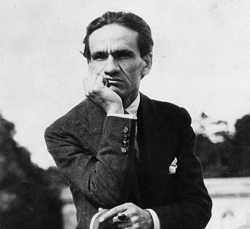 César Vallejo Biografía Características Poemas Y Más