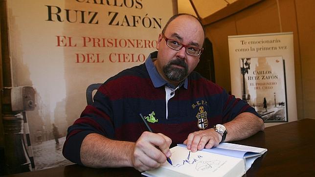 Carlos Ruiz Zafón: biografía, libros, frases, y más
