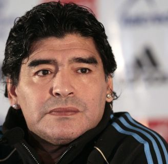 Maradona: biografía, napoli, Barcelona, hijos, frases, y mucho más