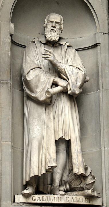 estatua de galileo galilei